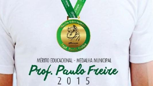 Medalha-Paulo-Freire