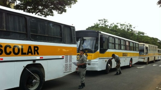 foto-transporte-escolar