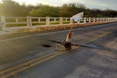Buraco na ponte em São Domingo