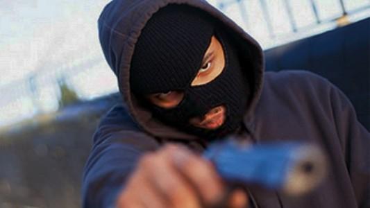 Ladrão armado 1