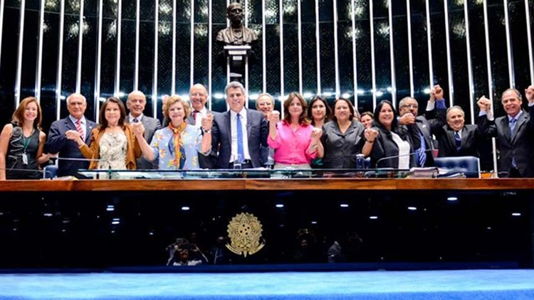 Senadores marco legal primeira infãncia