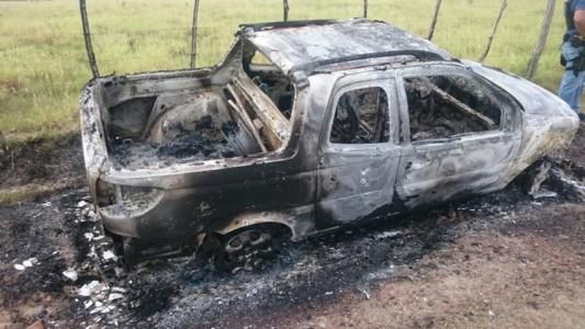 Carro queimado PF 1