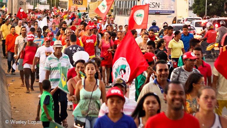 Ponte manifestantes Lula