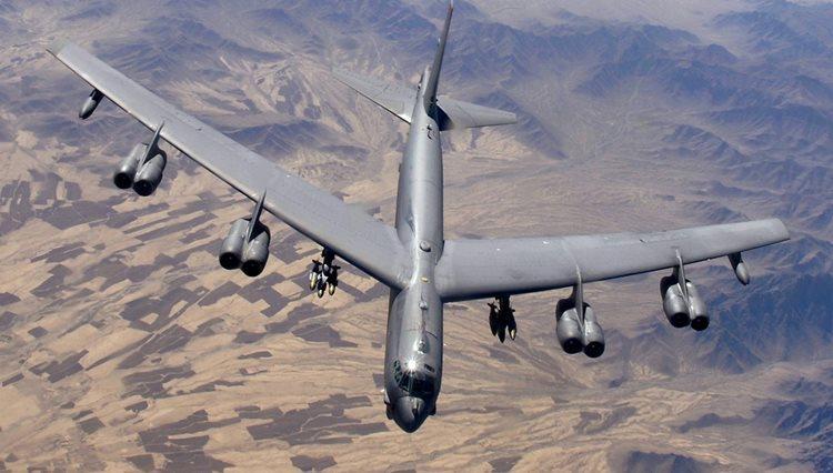 Segundo porta-voz das forças americanas, o uso dos B-52 não implica um maior risco de baixas civis, já que o avião está armado apenas com bombas teleguiadas