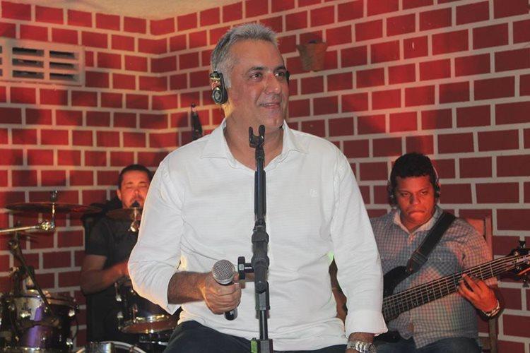 """""""É importante que possamos manter espaços para preservar o forró, samba tradicional, brega, MPB, dentre outros gêneros"""", destaca Carlos Mariano"""