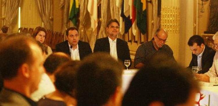 O Estado pretende chegar até o final do ano com todas as contas em dia/Foto:Secretaria de Imprensa de Pernambuco