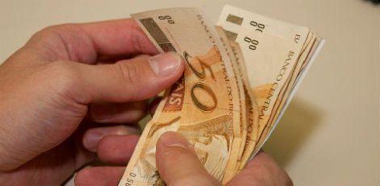 Salário mínimo pode ter aumento de 7,5% no próximo ano