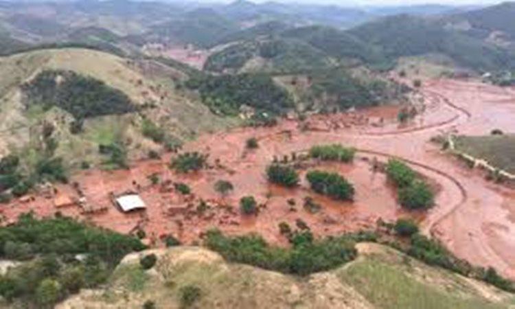 A tragédia no município de Mariana, em Minas Gerais, levou poluição à bacia do rio Doce e ao mar no litoral norte do Espírito Santo