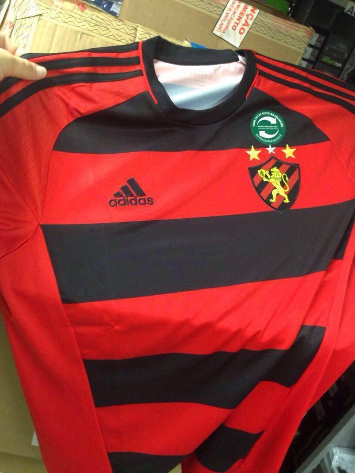 O Leão e Adidas obviamente não confirmam a informação de que esta seja a nova camisa da equipe em 2016/Imagem:internet