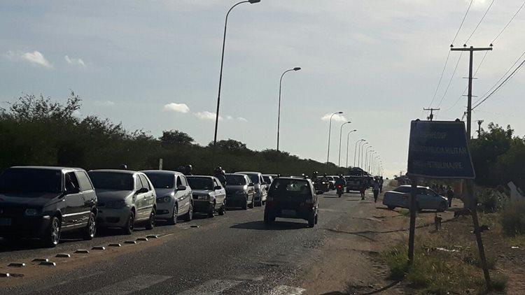 O vereador solicitou o ajuste no tempo do semáforo que fica no cruzamento entre a avenida Cardoso de Sá e a PE que leva até a localidade de Pedrinhas/Foto:ASCOM