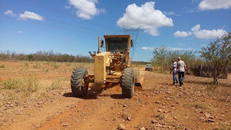 Após a finalização da recuperação de diversos trechos, a Sesp inicia outra etapa de serviços que vai da BR 235 a Serra dos Badecas, seguindo para a sede do distrito/Foto:Assessoria