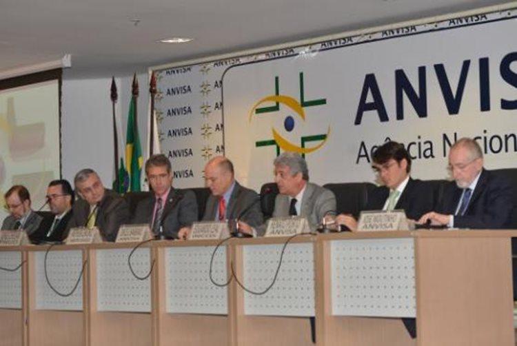 o próprio fabricante enviou à Anvisa comunicação de recolhimento voluntário por conta de incorreção na rejeição de frascos-ampolas durante as operações de envase do medicamento/Foto:Agência Brasil
