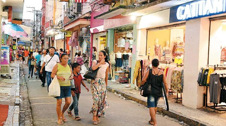 A cautela do consumidor em relação às compras é observada em todos os níveis de renda, de acordo com a pesquisa/Foto:Folha de Pernambuco