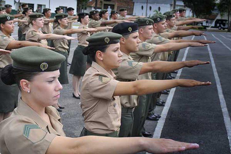 Segundo a assessoria do Exército, a inserção feminina na carreira só aconteceu agora por determinação da Lei 12.705, de 2012, que deu prazo de até cinco anos para que fosse permitido o acesso de mulheres/Foto:reprodução Exército