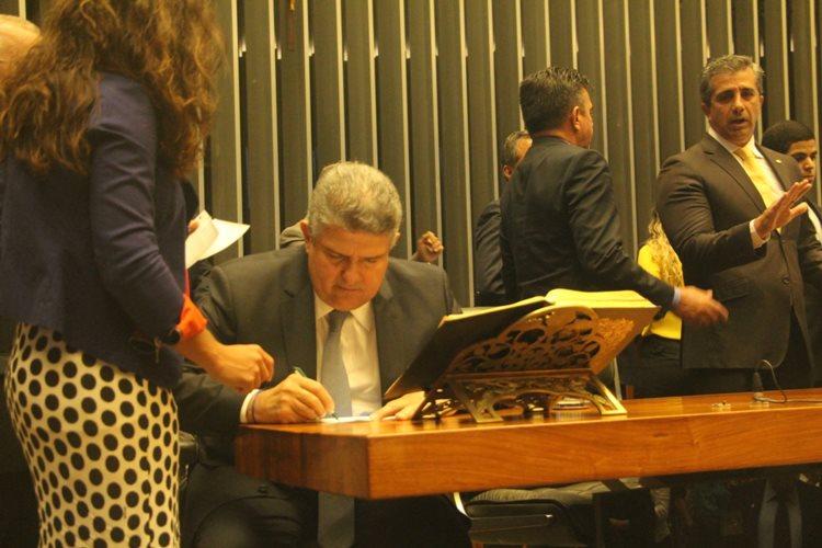 A sessão foi acompanhada por vários amigos, familiares e políticos que prestigiaram o novo parlamentar/Foto:Assessoria