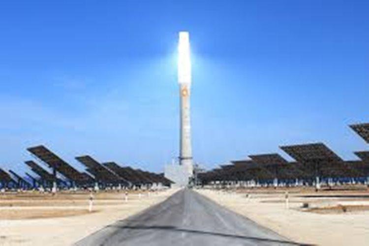 Energia heliotérmica  é o processo de uso e acúmulo do calor proveniente dos raios solares/Imagem ilustrativa