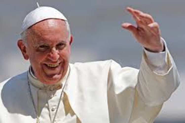 O papa Francisco defendeu em várias ocasiões o seu desejo de resolver a grande desigualdade existente entre homens e mulheres na Igreja/Imagem:internet