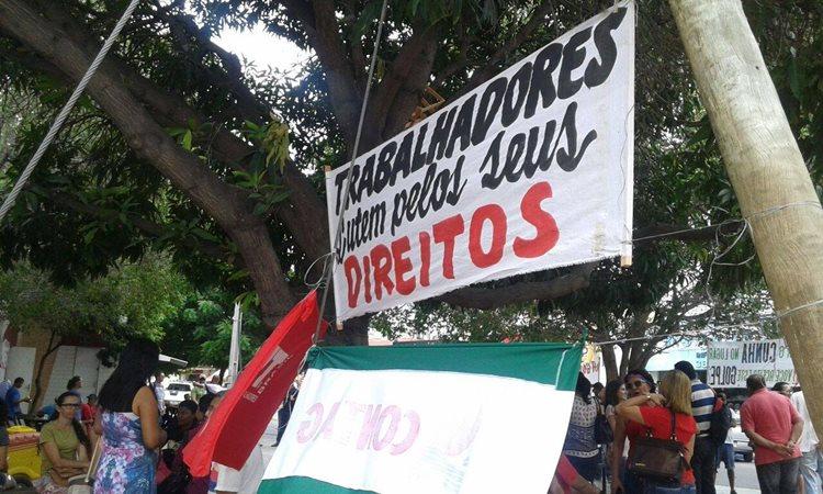 Com palavras de ordem, os manifestantes reafirmaram o posicionamento contra o que consideram golpe/Foto:Assessoria