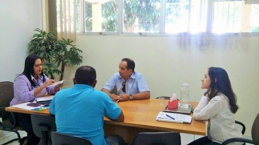 Reunião entre o líder do Dom Avelar e a Secretaria de Saúde (Foto: Reprodução)