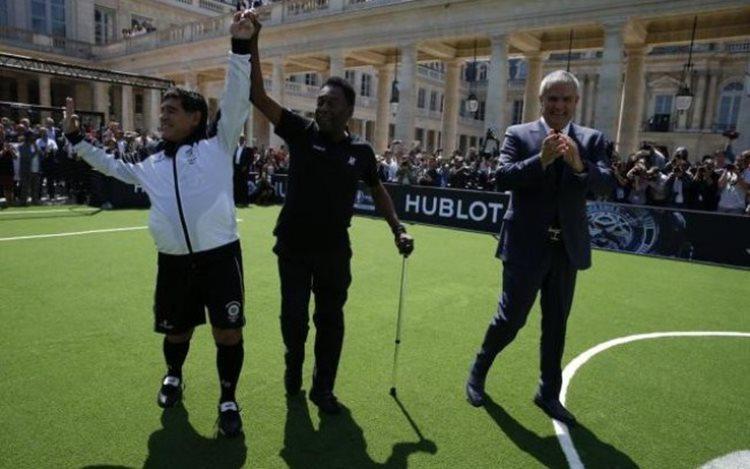 Os dois ex jogadores tocaram abraços e palavras de carinho e respeito/Foto: Portal UEFA