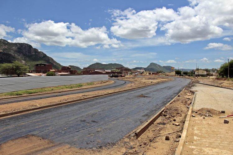 De acordo com informações da prefeitura, a obra cria um novo acesso à BR 232/foto: Robério Sá