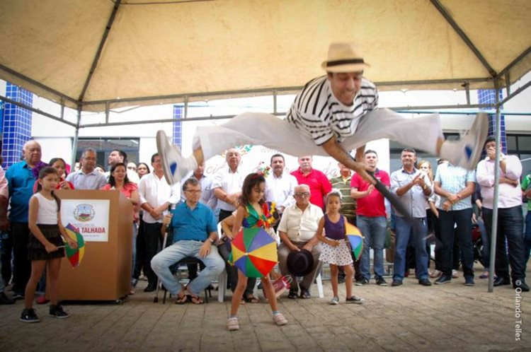 Apresentações culturais marcaram a entrega da Biblioteca após reforma/Foto: portal da Prefeitura de Serra Talhada