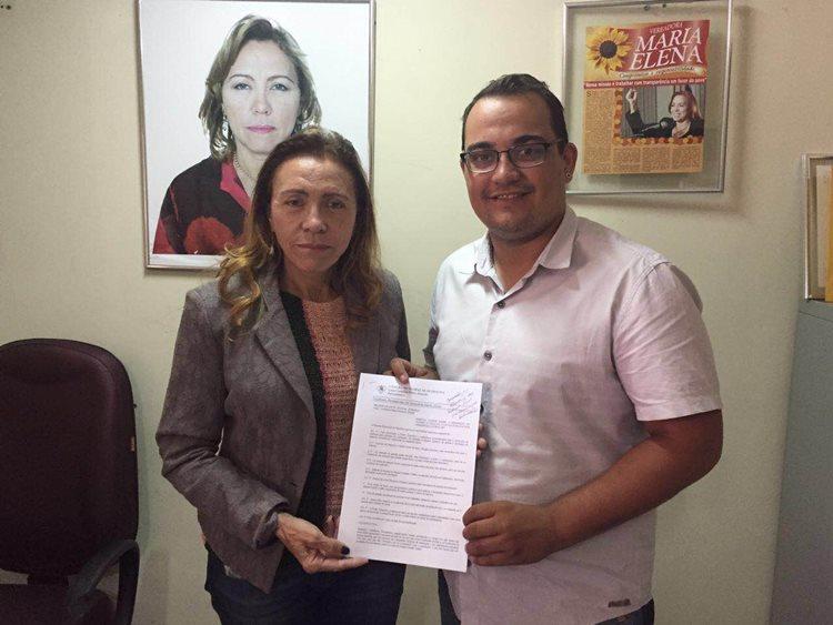 Maria Elena apresentou e teve aprovado nesta terça seu projeto de lei que permite o acesso de animais de estimação a parques e espaços públicos/Foto:ASCOM