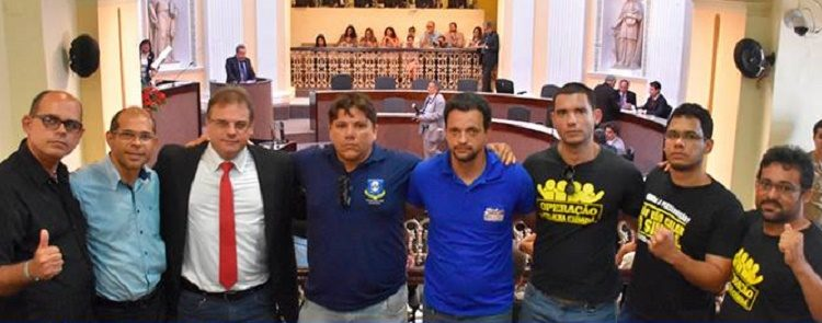 Os representantes da segurança pública de Pernambuco estiveram na Alepe para impedir que o projeto de cidadão pernambucano  ao corregedor geral corregedor./ Foto: Ascom Sinpol