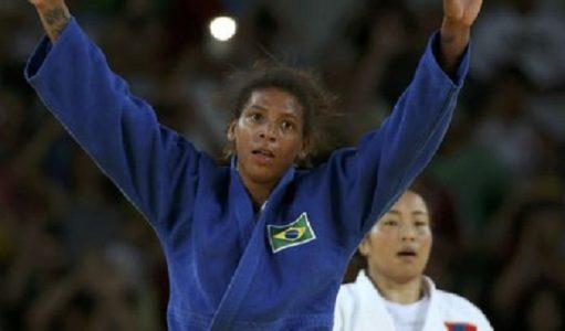 Com um wazari sobre a oponente, Rafaela conquistou 10 pontos e soube administrar a luta até o final./ Foto: internet