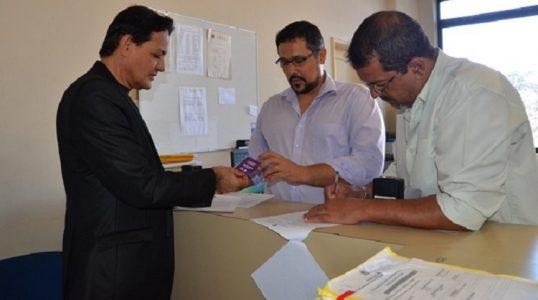 a distribuição dos selos será feita de acordo com um calendário de forma que todos os 116 documentos do MPPE sejam adesivados corretamente até final de setembro./ Foto: Ascom MPPE