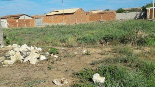 Local onde o corpo foi encontrado. (Foto: Aracelly Romão/TV Grande Rio)