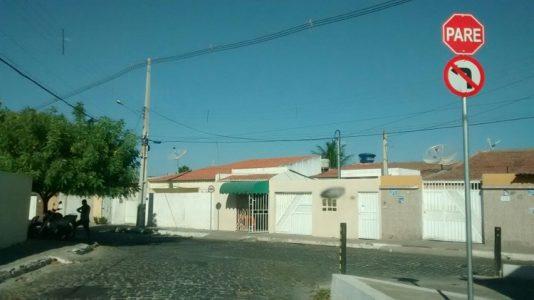 Avenidas agora são de mão única. (Foto: Waldiney Filho / blog Waldiney Passos)