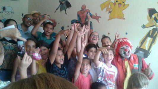 Familiares dos pacientes também participaram da confraternização./ Foto: Ascom