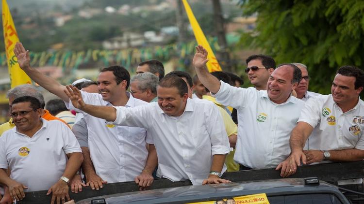 Eduardo Campos participa de carretas na cidades de Escada, Ribeirão e Palmares, zona da mata sul de Pernambuco.