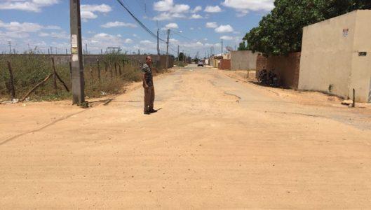 O vereador Edilsão também cobrou mais segurança nos bairros Cohab Massangano e Alto do Cheiroso./ (Foto: Ascom)