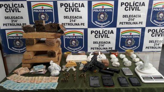 a droga era fornecida pelo companheiro, que está preso na Penitenciária Dr. Edvaldo Gomes. (Foto: divulgação PC)