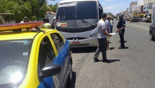 Na Praça Barão do Rio Branco a fiscalização foi mais intensiva com os mototaxistas, tendo em vista ser a entrada para o centro da cidade. (Foto: divulgação)