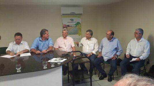 Na oportunidade o ministro Blairo Maggi, assinou um novo acordo com os produtores do Vale do São Francisco para a exportação de frutas para a Coréia. (Foto: divulgação)