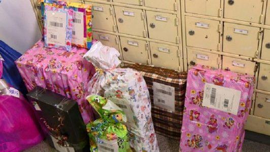 Agência dos Correios com presentes para o Natal. (Foto: Reprodução EPTV)