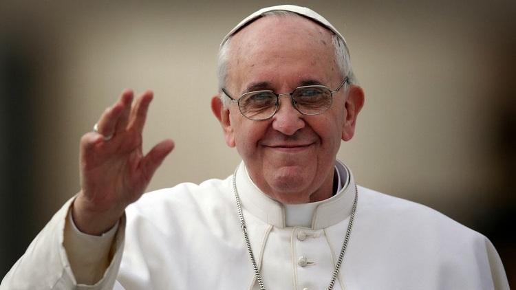 Papa condena feminicídios e brinca: 'freiras terroristas não'